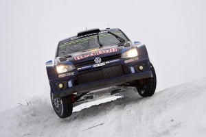 Dramatic finale in Sweden: Volkswagen driver Ogier wins, ahead of Neuville and Mikkelsen